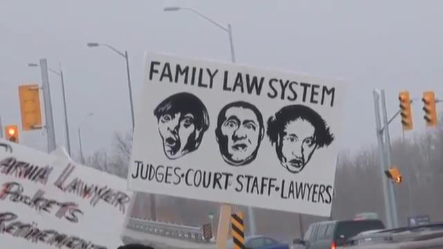Pickets go up at Ontario Family Court